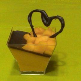 Panna cotta zafferano cioccolato e…frutto della passione o mango