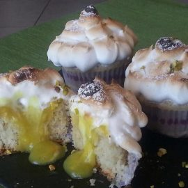 Cupcakes meringati al limone con pistacchi