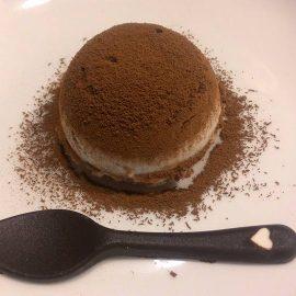 Semifreddo cocco e cioccolato dal cuore morbido al lampone