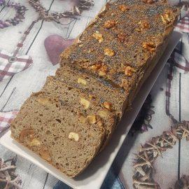 Pane grano saraceno e noci